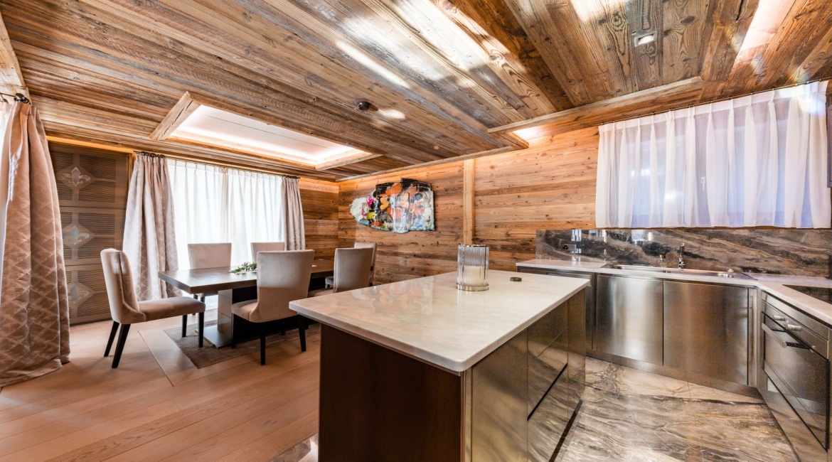 6 Bedrooms, Chalet, Vacation Rental, 6 Bathrooms, Listing ID 2210, Crans-Montana, Canton of Valais, Switzerland, Europe,