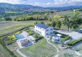 5 Bedrooms, Villa, Vacation Rental, 5 Bathrooms, Listing ID 2351, Fossombrone, Province of Pesaro and Urbino, Marche, Italy, Europe,
