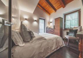 5 Bedrooms, Chalet, Vacation Rental, 5 Bathrooms, Listing ID 2353, Province of Belluno, Veneto, Italy, Europe,