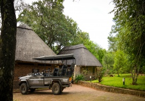 4 Bedrooms, Homestead, Vacation Rental, 4 Bathrooms, Listing ID 1362, Victoria Falls, Matabeleland North Province, Zimbabwe, Africa,
