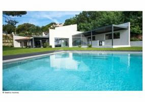 4 Bedrooms, Villa, Vacation Rental, 4 Bathrooms, Listing ID 1429, France, Europe,