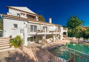 5 Bedrooms, Villa, Vacation Rental, 5 Bathrooms, Listing ID 1437, France, Europe,